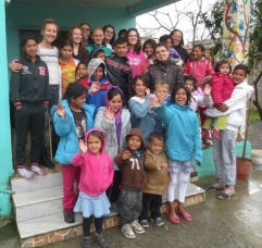 Group picture with the children in Elbasan.